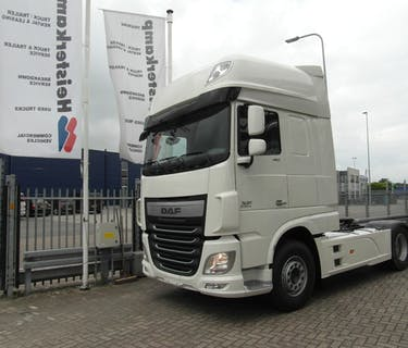 DAF XF106.460 Super Space Cab estándar